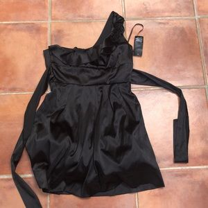 NWT Alyn Paige black dress